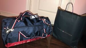 BRAND NEW TOMMY HILFIGER DUFFLE BAG FOR SALE!!