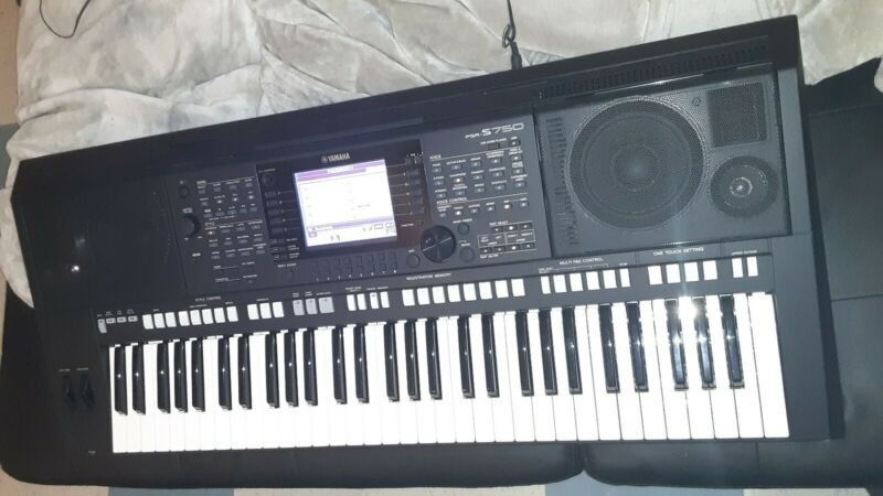 Yamaha psr s750 keyboard