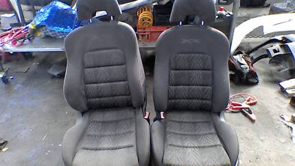 XR 2005 FORD FALCON FRONT SEATS