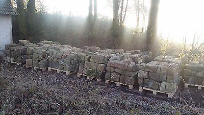 Alte gebrauchte Sandsteine aus Abriss in verschiedenen Größen