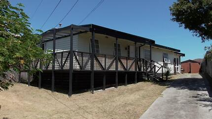 ACCOMMODATION BY THE BEACH Edithvale Kingston Area Preview