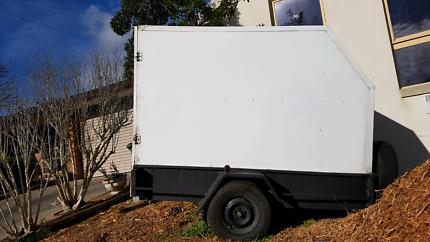 Trailer enclosed camping hire dirt bike