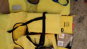 Bnwt 2 x life vests 1 x used Maddington Gosnells Area Preview
