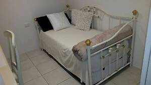 White Wrought Iron day bed North Sydney North Sydney Area Preview
