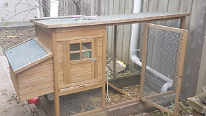 Chickens & coop Craigieburn Hume Area Preview