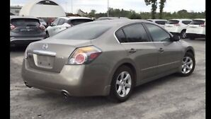 Nissan Altima super clean !!! Full options