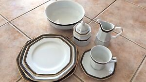 Dinner set 8 place setting Wattle Grove Liverpool Area Preview