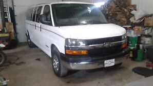 2007 chevy express extended 15 passenger