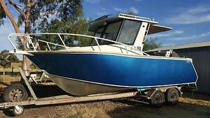 6.7 metre sea raider fishing boat North Adelaide Adelaide City Preview