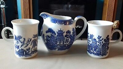 Meakin Willow (Vintage Alfred Meakin Willow Milk Jug With Two Matching Churchill Willow Mugs)