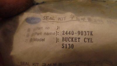 Genuine Daewoo Doosan Parts 2440-9037k Bucket Cylinder Seal Kit S130 24409037k