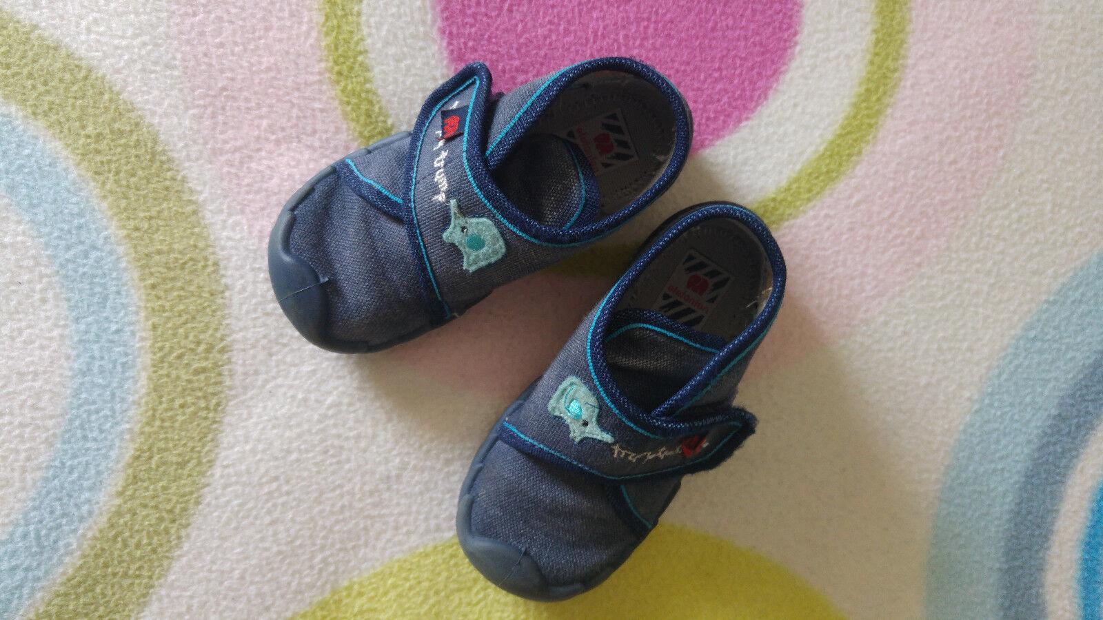 Kinderschuhe / Schuhe für Kleinkinder / Hausschuhe / Marke elefanten / Größe 22