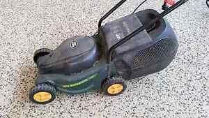 Ozito Ecomow (ECO-320) electric lawn mower with catcher Delacombe Ballarat City Preview