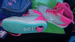 Girls size 1 skate shoes $15 Parmelia Kwinana Area Preview