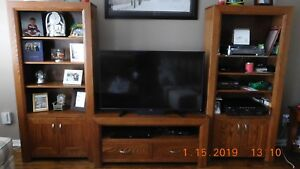 TV / Entertainment Stand / Wall Unit (solid oak)