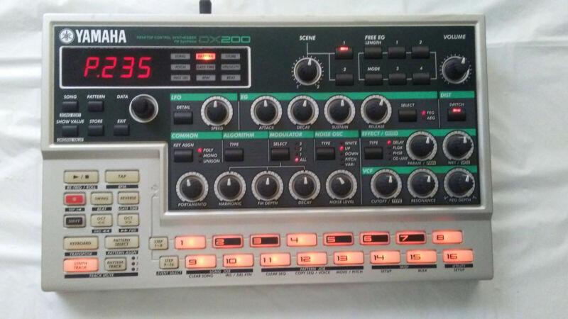 Yamaha DX-200 Loop Factory FM Synthesizer Drum Machine Groovebox Desktop Module