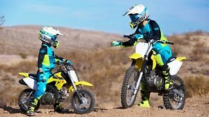 LOOKING : dirt bikes
