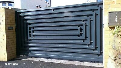 MODERN DRIVEWAY SLIDING GATE MADE TO MEASURE