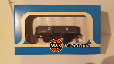 new 9.5mm hornby compatible oo spares x8461//x8029 1x pack of 4 traction tyres