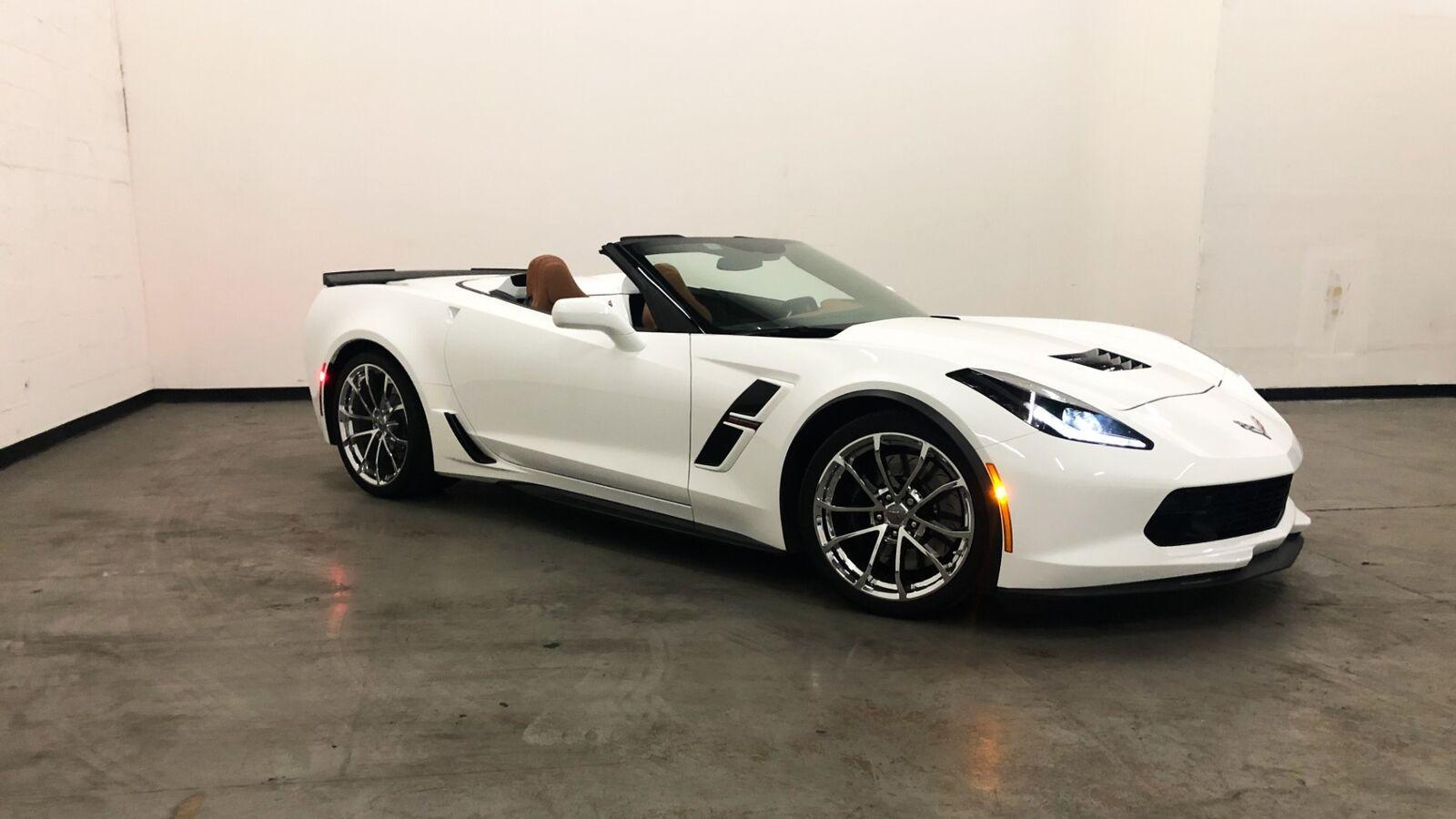 2018 White Chevrolet Corvette Grand Sport 2LT | C7 Corvette Photo 2