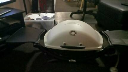Weber Premium  Q 2200 only  2015 in very good condition