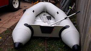 Inflatable boat hard removable floor good condition $ 200 Little Mountain Caloundra Area Preview