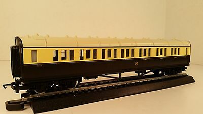 Reduced* Hornby #R.456 GWR Composite Coach (Chocolate/Cream), NEW OLD STOCK NICE