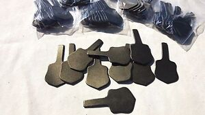 10 LEATHER BRONZE KEY RING / FOB BLANKS IN SHIELD DESIGN + 10 RINGS~}