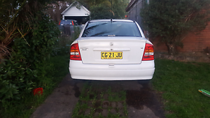 Holden Astra  4 DOOR low KM 3 momths REGO Cessnock Cessnock Area Preview