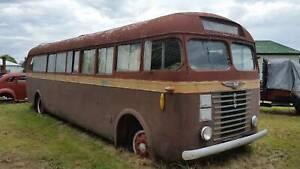 VINTAGE BUS & TRUCK REO/