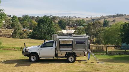 Slide on Camper and Hilux ute combo