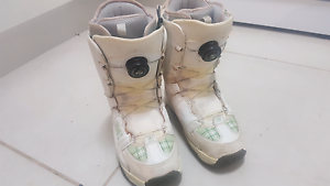 Womens snow boots Wyee Lake Macquarie Area Preview