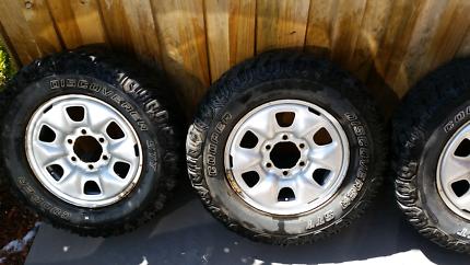 2008 toyota hilux wheels
