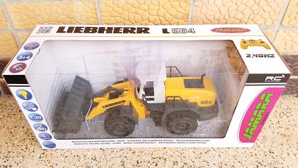 Big RC Liebherr L564 front loader