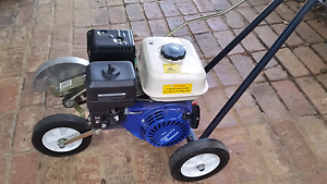 Lawn Edger near new Bedfordale Armadale Area Preview