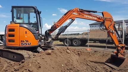 5.5t hitachi excavator low 1800 hrs