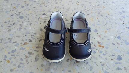 Girls Geox shoes,size UK 5