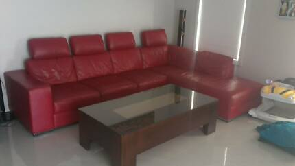 RED *REAL LEATHER* LOUNGE Mount Annan Camden Area Preview