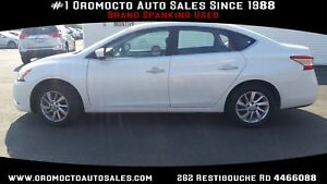 2014 Nissan Sentra 33000 KM, NAVIGATION, HEATED SEATS