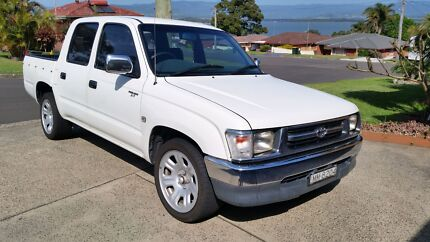 2001 Toyota Hilux SR5 2wd manual Shellharbour Shellharbour Area Preview