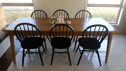 6x Black Windsor Chairs