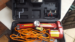 12volt scissor jack will not post pick up only Bacchus Marsh Moorabool Area Preview