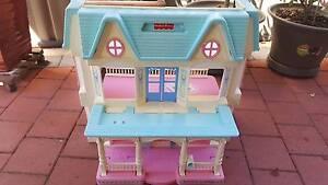 Kids Doll house Baldivis Rockingham Area Preview