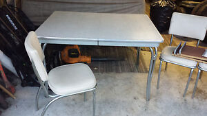 Chrome vintage 1950's formica kitchen table and chairs white/gray WOW! NR! Ivory