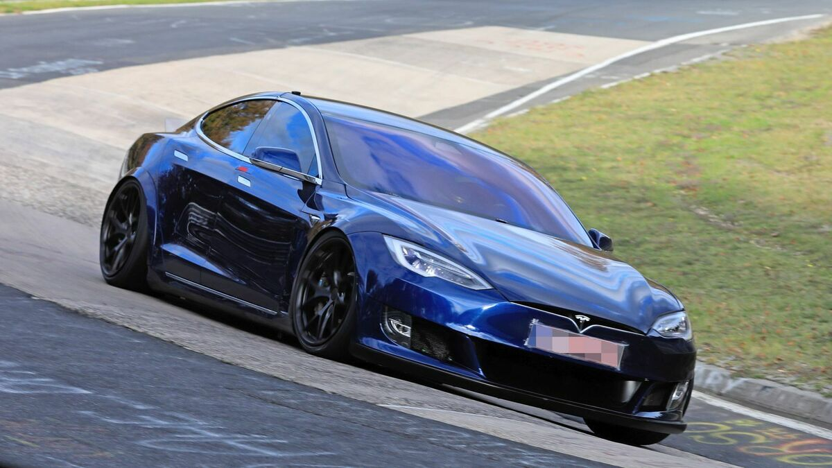Tesla Model S Plaid Aufmacher