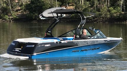 2011 NAUTIQUE 200 SPORTS WAKEBOARD BOAT