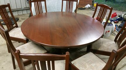 Jarah table and chairs 8! Roleystone Armadale Area Preview