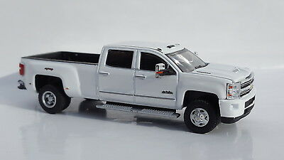 1:64 GreenLight *WHITE* 2018 Chevrolet Silverado 3500 HD DURAMAX DUALLY Pickup