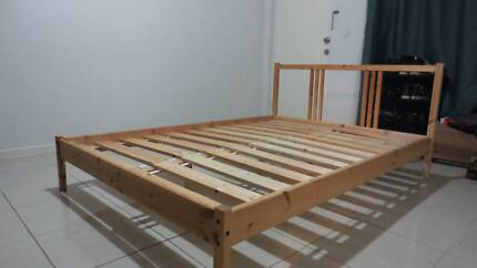 Excellent wooden frame double bed with mattress Cheap!
