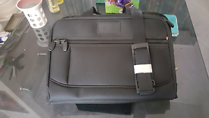 Almost new Lewis and Hyde laptop carry bag Kidman Park Charles Sturt Area Preview
